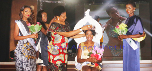 Wife of Cross River Governor, Dr. Linda Ayade performing the coronation of Angola's Neurite Mendes as first Miss Africa, in Calabar, last Saturday; with 1st runner, South African's   Refilwe Mthimunye (L) and 2nd runner, Cameroon's Jencey Anwifoje (R) watch on, in Calabar,
